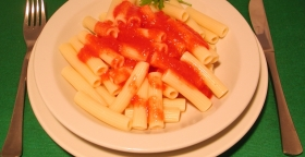Pasta al pomodoro e basilico