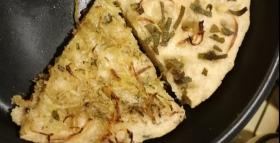 Pizza aproteica con patate e con cipolle